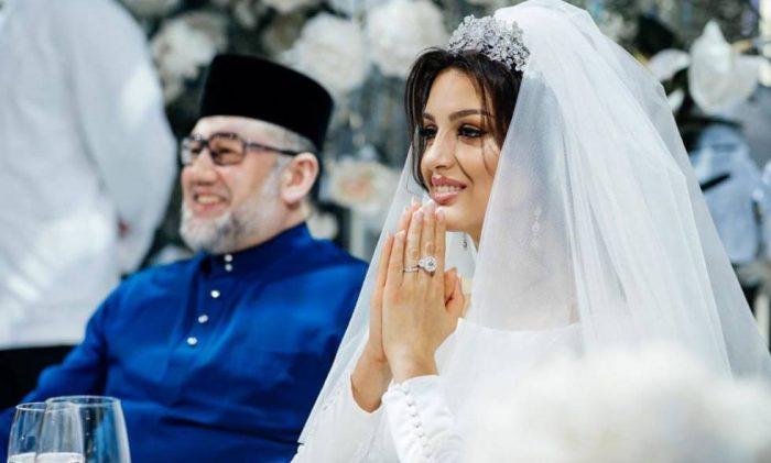 Rey de Malasia que abdicó por amor se divorcia tras siete meses de matrimonio