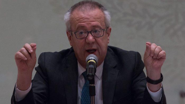 Carlos Urzúa rompe el silencio: embarra a Bartlett y a Romo por su renuncia