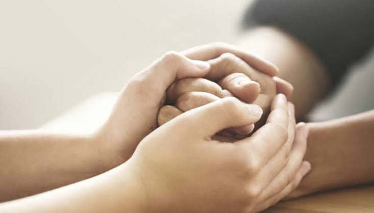 Maneras de demostrar compasión hacia los demás.