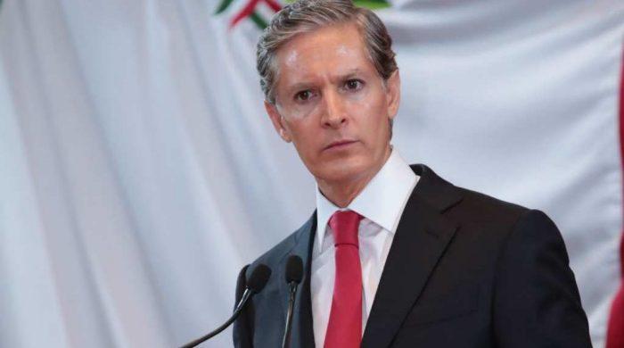 """El gobernador Del Mazo reconoce que abrir una cuenta en Andorra """"no fue la mejor decisión"""""""