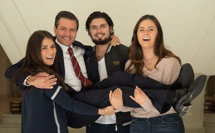 Peña Nieto es apapachado por sus hijos en su cumpleaños 53