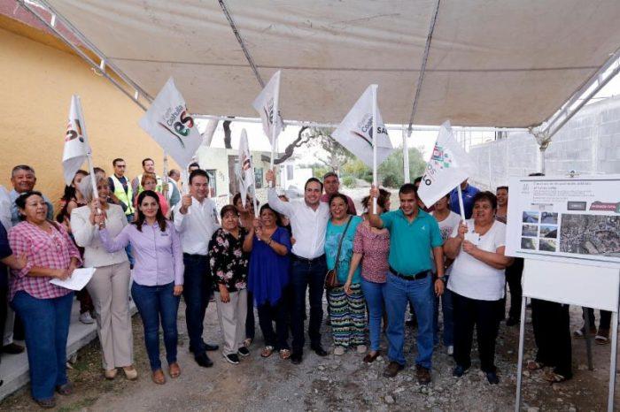 Continúa alcalde llevando obras a las colonias de Saltillo