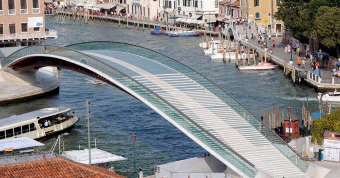 """Calatrava, multado por """"macroscópica negligencia"""" en su puente de Venecia"""