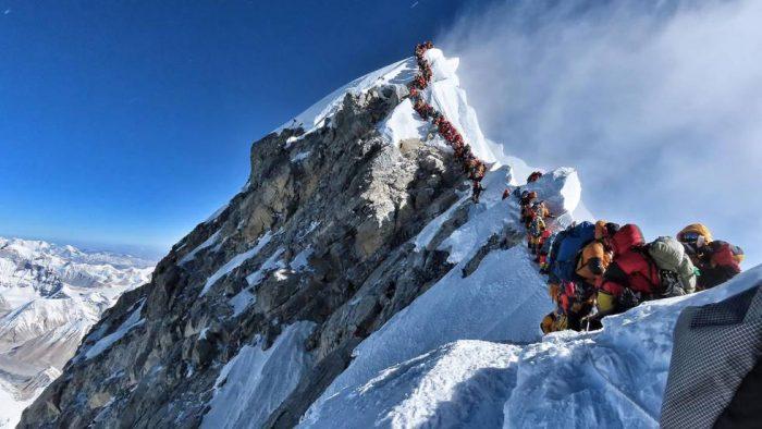 Nuevas reglas de juego en el Everest tras la foto del gran atasco