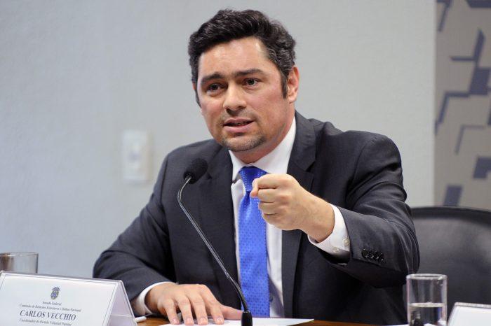 Venezuela: petrolera china y banco turco cancelan negocios con Maduro