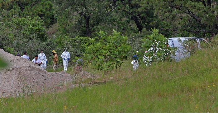 Suman 105 bolsas con restos humanos halladas en una fosa clandestina en La Primavera en  Zapopan, Jalisco