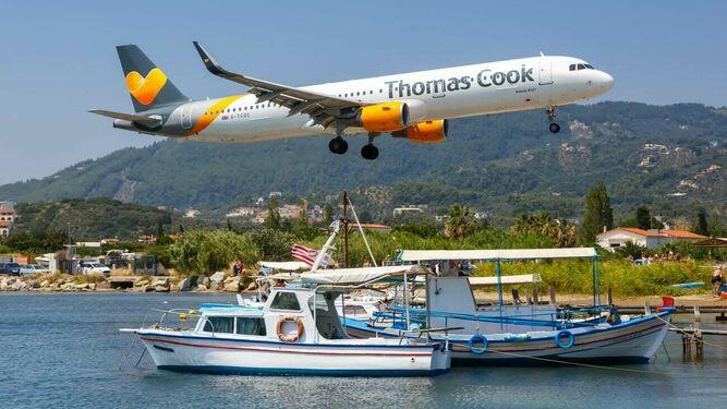 Quiebra de Thomas Cook deja millonaria deuda a los hoteleros de Cancún
