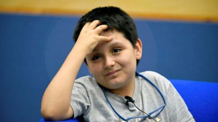 Carlos Santamaría, niño genio de la UNAM, denuncia 'bullying' por parte de un profesor