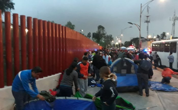 La CNTE reinstala plantón frente a San Lázaro