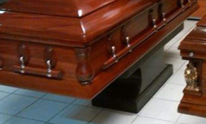 Descubren que cadáveres siguen moviéndose un año después de la muerte