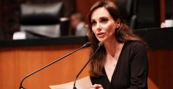 4T distribuye leche con cucarachas a DIF Veracruz, denuncia Lilly Téllez