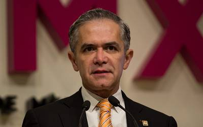 Mancera se dice tranquilo tras detención de funcionarios de su administración