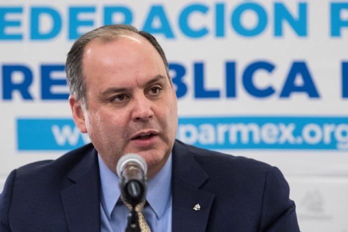 """Para el presidente de la COPARMEX el gobierno federal usó una """"chicanada legal"""" para revocar suspensión del Santa Lucía"""