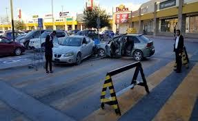 Terror en centro comercial en Nuevo  Laredo Tamp, por enfrentamiento de hombres armados