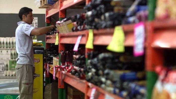 Disminuye actividad comercial y mercantil en México
