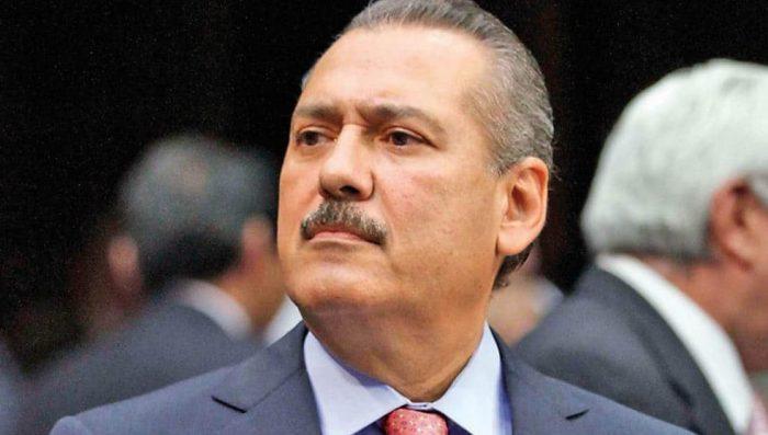 Investigan a Manlio Fabio Beltrones por desvíos al PRI
