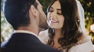Yuridia presume boda privada con fotos