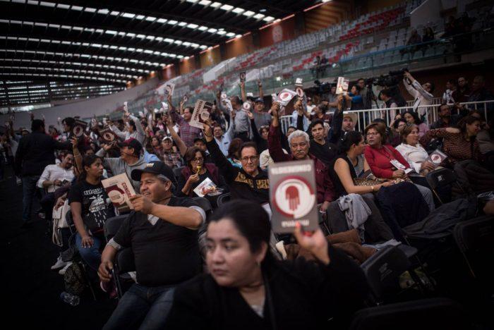 Las batallas legales por el poder en el partido de López Obrador se recrudecen