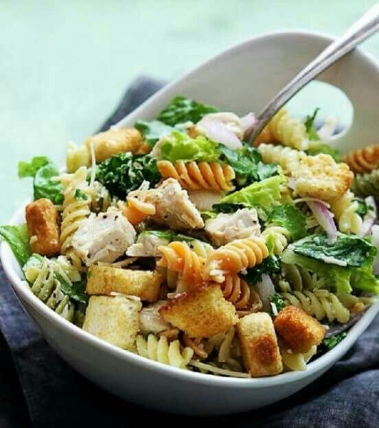 Receta Vegana: Ensalada verde con pasta.