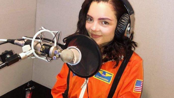 Muere Andrea Arruti, voz en español de Violet Evergarden y Elsa niña en 'Frozen'