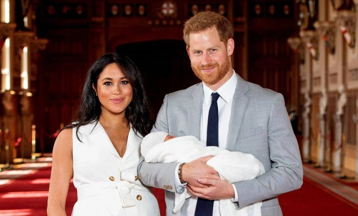"""Enrique y Meghan darán un """"paso atrás"""" como miembros de la realeza británica y renuncian a su sueldo"""