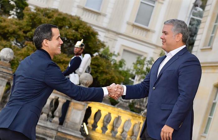 Guaidó desafía la prohibición de salir de Venezuela para reunirse con Pompeo en Colombia
