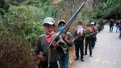 """Niños toman las armas en Guerrero """"para defender a sus hermanitos"""" del crimen organizado"""