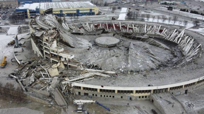 Un estadio de San Petersburgo se hunde cuando dos operarios trabajaban en su desmantelamiento