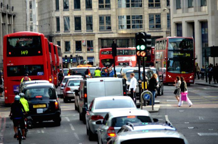 El Reino Unido prohibirá los vehículos de gasolina y diésel a partir de 2035