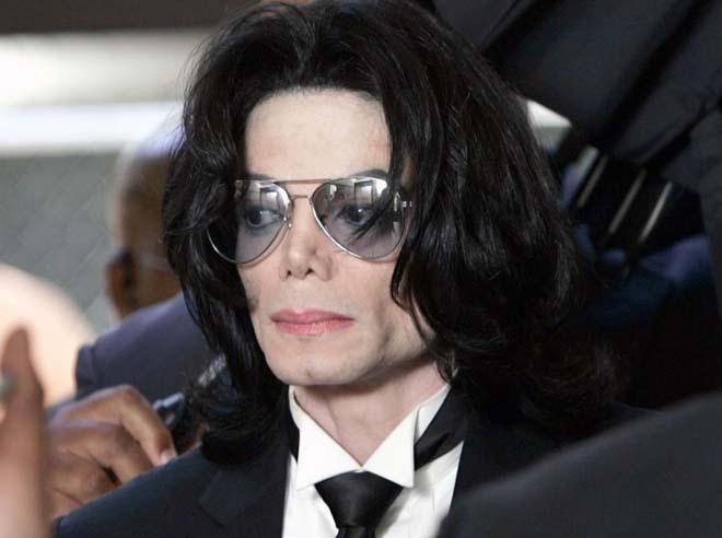 Salen a la luz nuevos detalles de la autopsia de Michael Jackson