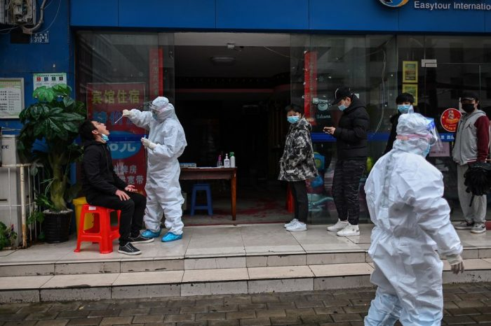 Reabren servicios en Wuhan, ciudad donde surgió el coronavirus