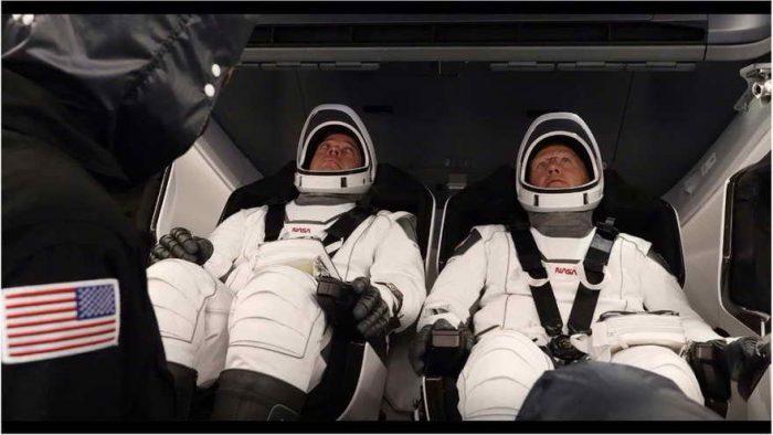 La cápsula de SpaceX llega a la Estación Espacial Internacional tras 19 horas de vuelo