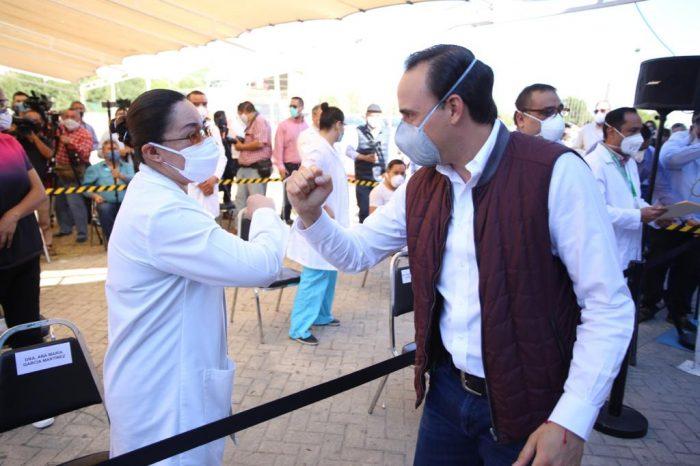 Becas escolares llegarán a hijos o nietos de más de dos mil enfermeras: Manolo