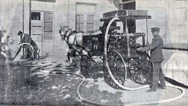 """Qué era el sulfurozador, el aparato que usó la poderosa élite argentina de """"los higienistas"""" contra la peste bubónica"""