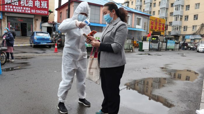 China: Regresan a cuarentena en Shulan por rebrote de casos de Covid-19