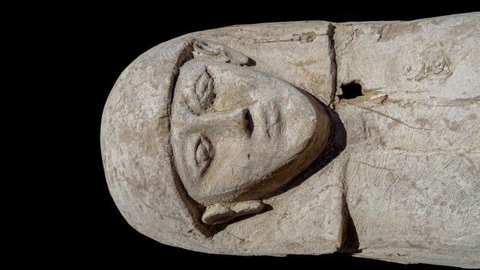 Encuentran momia con joyas de gran valor; data de hace 3 mil 600 años