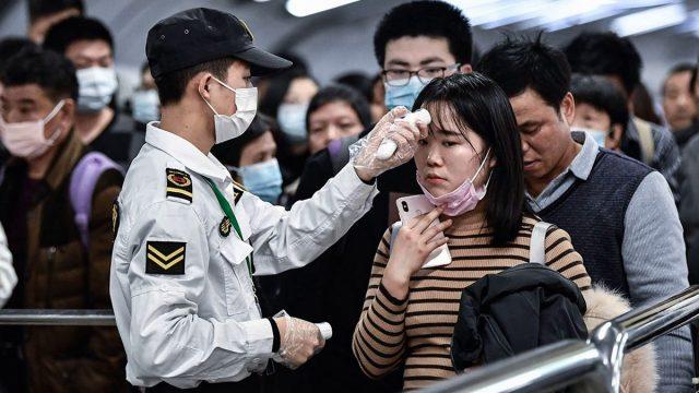 Nuevos casos de covid-19 en China indican que el virus podría estar cambiando de forma desconocida