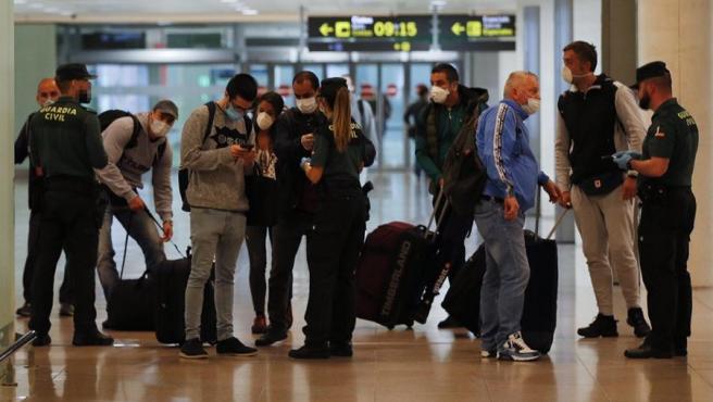 España pondrá en cuarentena de 14 días a los viajeros del extranjero