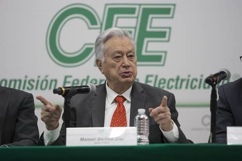 """Manuel Bartlett:  Firmas de energías renovables """"tienen que pagar a la CFE"""""""