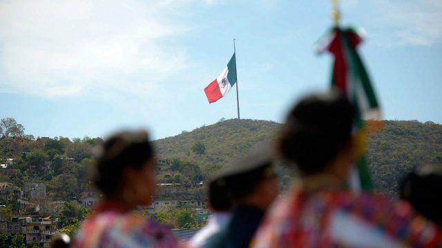 FMI 'hunde' pronóstico de economía de México en 2020; proyecta caída de 10.5%
