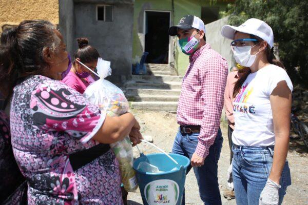 Continúan sociedad y gobierno apoyando a familias vulnerables en Saltillo