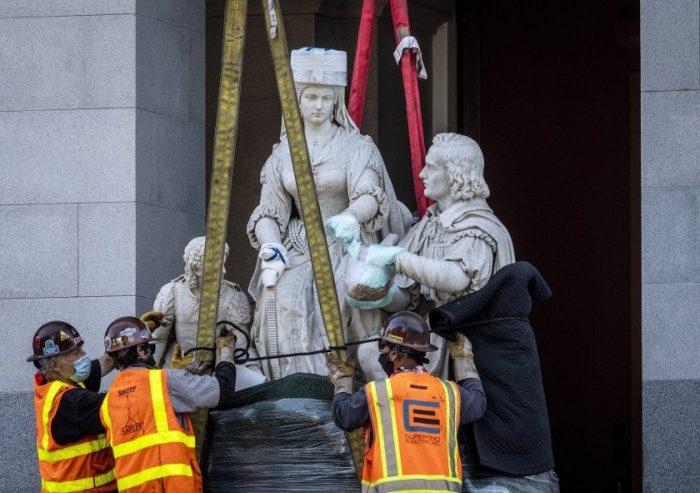 Remueven del Capitolio estatal una estatua de Cristóbal Colón y la reina Isabel