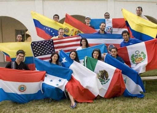 Miles de estudiantes extranjeros en Estados Unidos quedan en la incertidumbre por el cambio de normas de inmigración