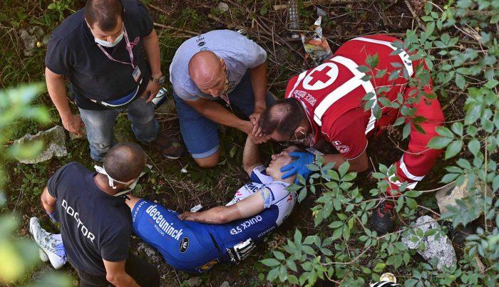 Ciclista belga cae de un puente durante el Tour de Lombardía