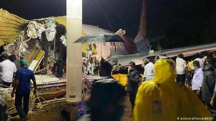 Al menos 16 muertos en accidente de avión en India