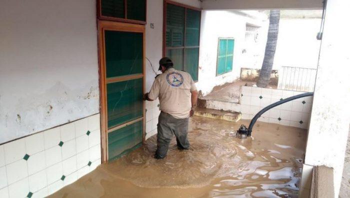 Declaran estado de emergencia en municipios de Jalisco por daños de la tormenta 'Hernán'