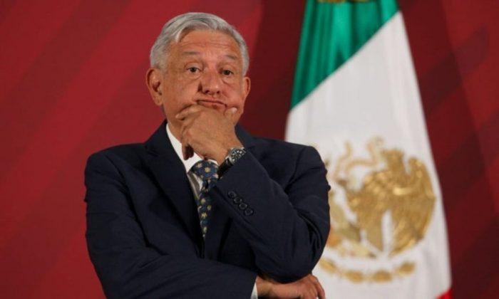 Denuncian a AMLO por muerte de niño con cáncer en Nuevo León