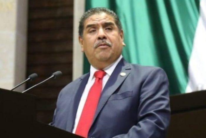 Muere por Covid-19 Miguel Acundo González, diputado federal
