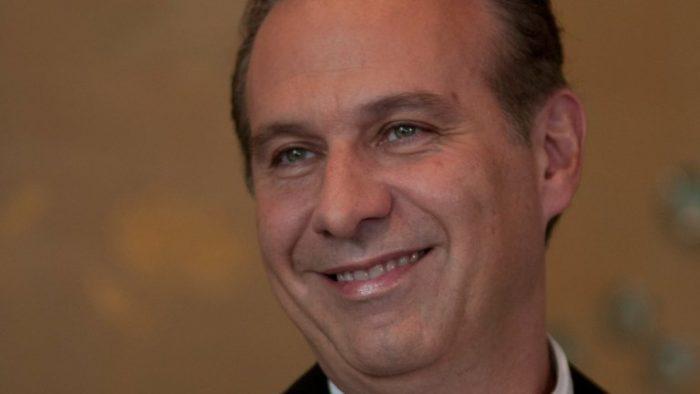 Juan Collado libró la vinculación a proceso por fraude