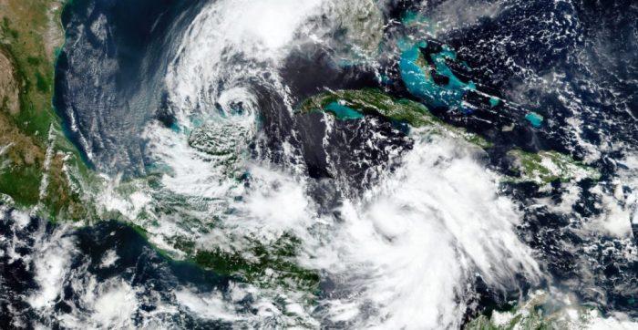 Huracán 'Delta' alcanza categoría 2 en avance hacia Yucatán